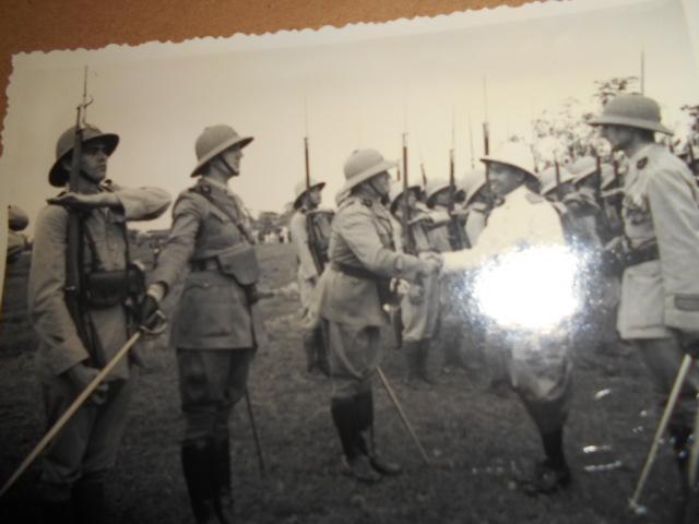 3 albums photos 1942 /43 resident supeieur au tonkin sous vichy Dscn6830
