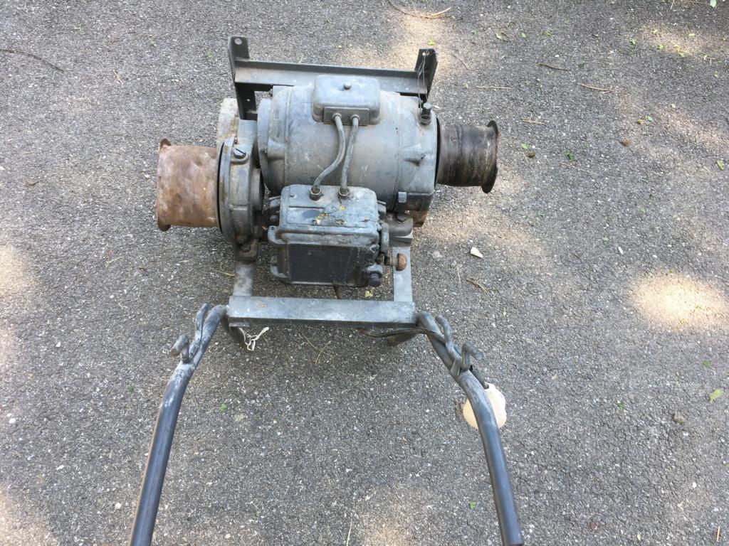 Donne banc de scie et son moteur tri Img_1611