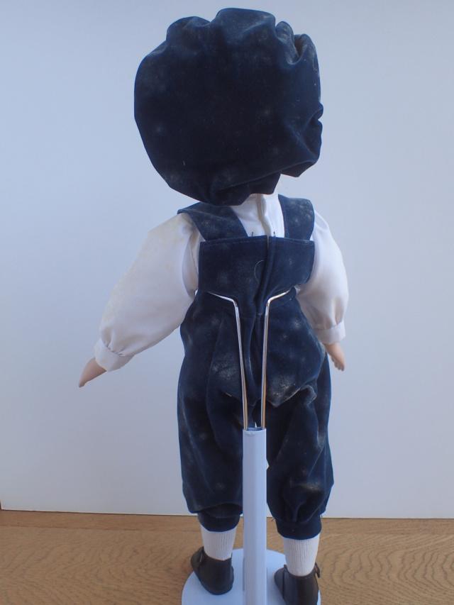 Donne 11 poupées de porcelaine P7209313