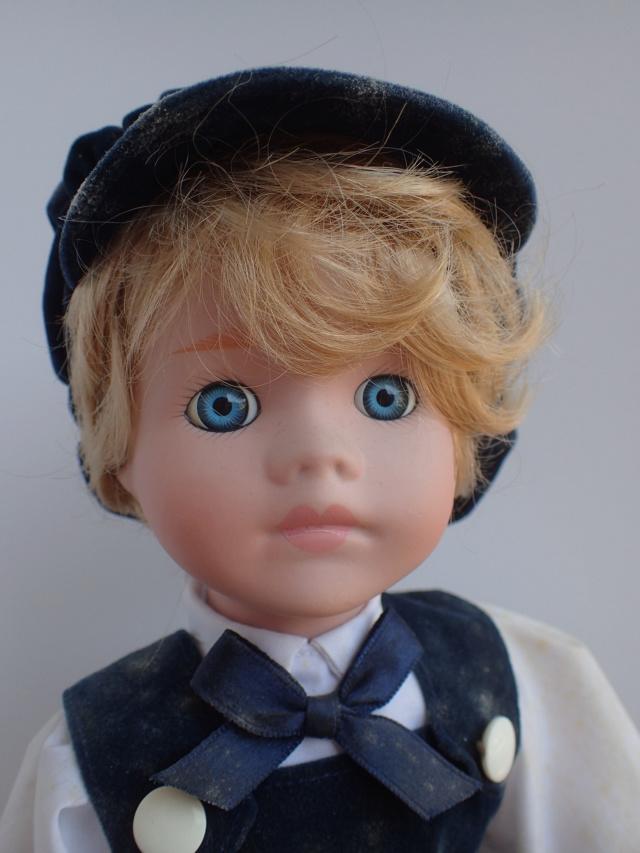 Donne 11 poupées de porcelaine P7209314