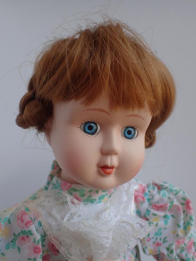 Donne 11 poupées de porcelaine P7209322