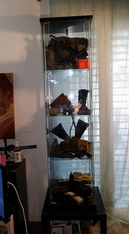 Présentation de vos armes de poing - supports - vitrines 32207810
