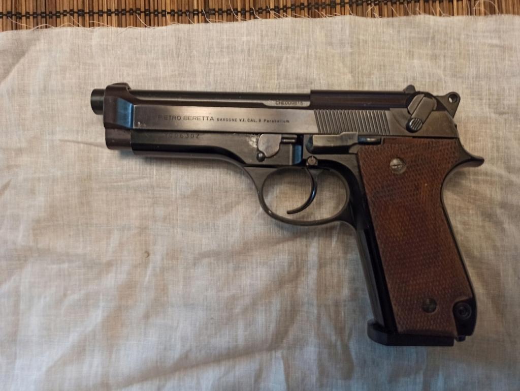 Le Beretta 92S de surplus des Carabinieri  92s00310