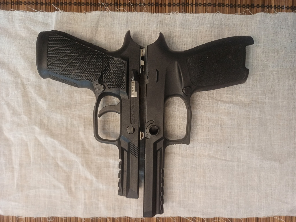 Sig Sauer P320 Full size Grips110