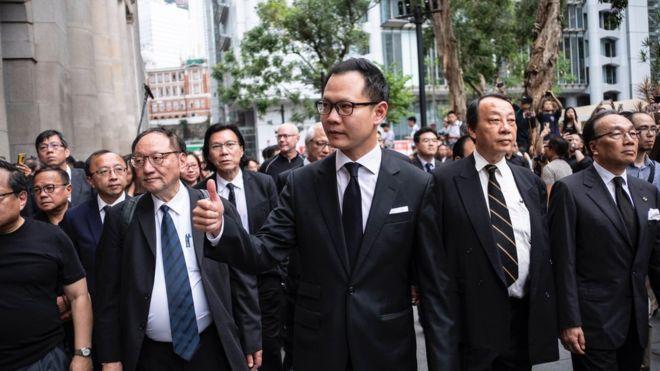 Biểu tình mới tại Hồng Kông - Page 2 Biau_t10