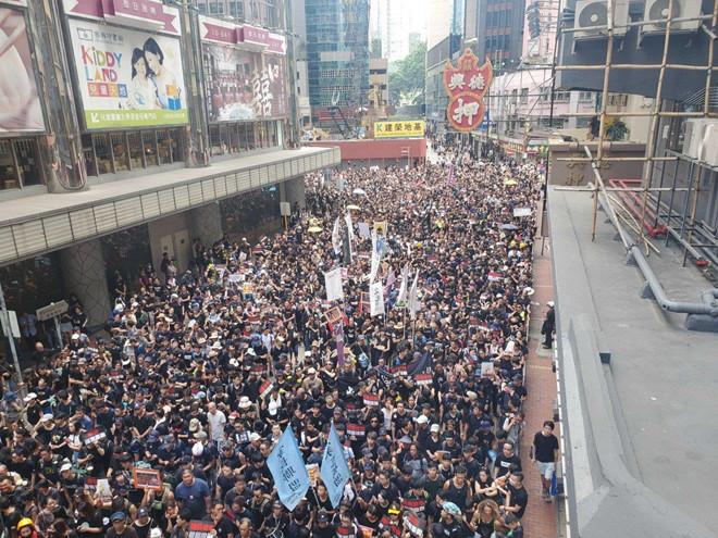 Biểu tình mới tại Hồng Kông Bieu-t20