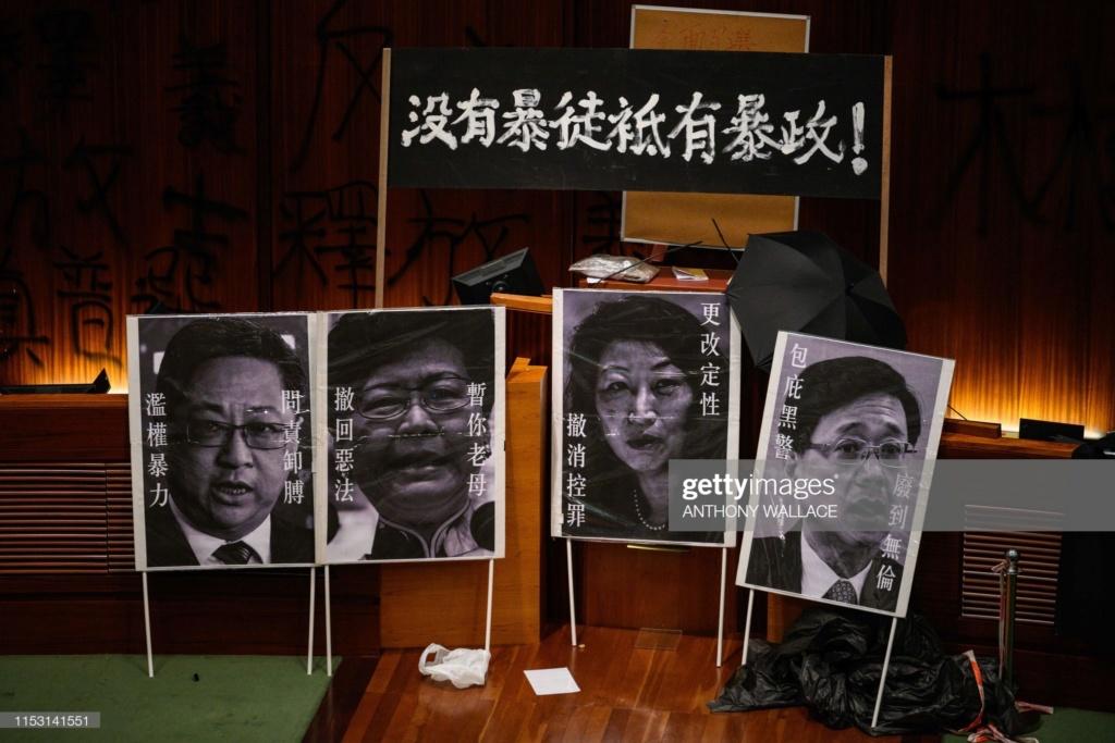 Biểu tình mới tại Hồng Kông - Page 2 Bieu-t24
