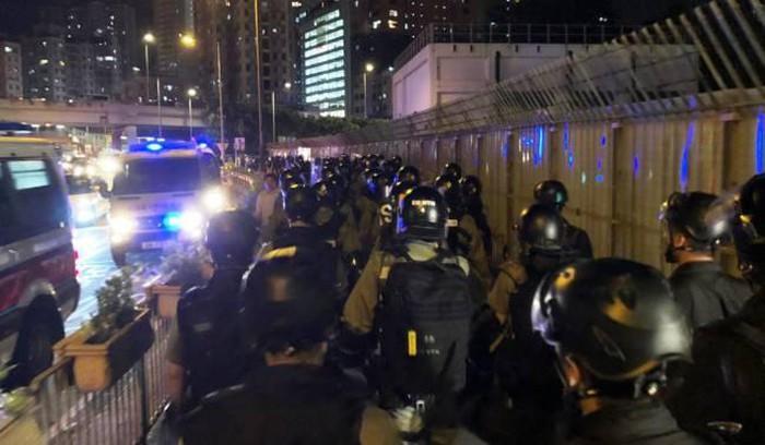 Biểu tình mới tại Hồng Kông - Page 2 Bieu-t29