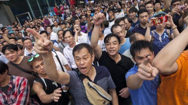 Biểu tình mới tại Hồng Kông - Page 2 Bieuti13