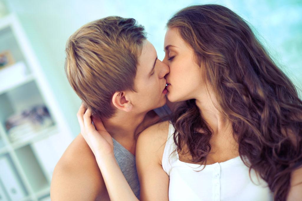 Những lợi ích tuyệt vời mà nụ hôn mang lại Cach-h10