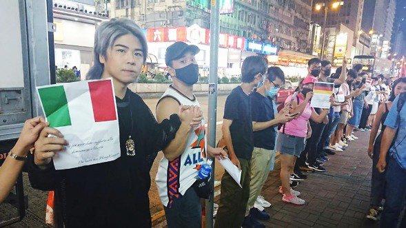 Biểu tình mới tại Hồng Kông - Page 3 Con-du10