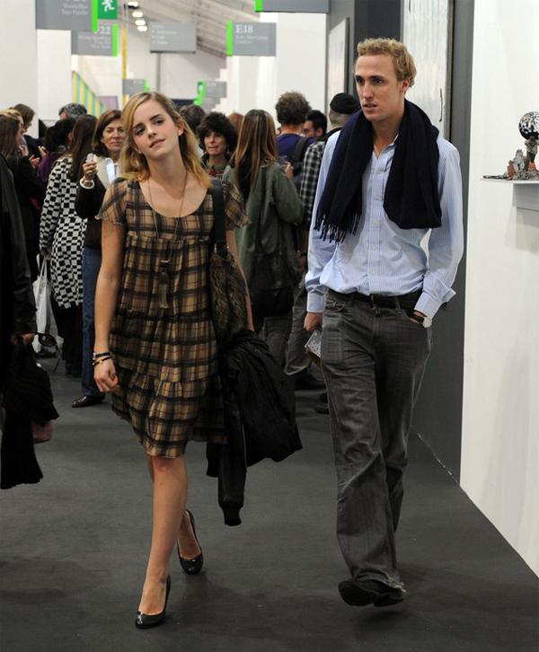 Tuổi trẻ phải yêu như Emma Watson Ew0110