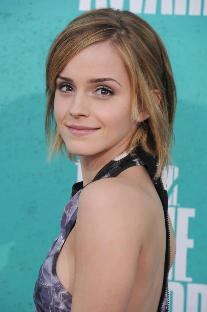 Emma Watson - Page 3 Ew201210