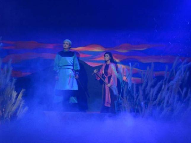 Có một thời Hà Nội say trong ánh đèn sân khấu... Hanoi_13