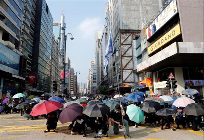 Biểu tình mới tại Hồng Kông - Page 4 Hk-0510