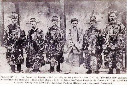 Cảnh mộ của gia quyến Khổng Tử bị đào trong thời Cách mạng Văn hóa Hoi_do10