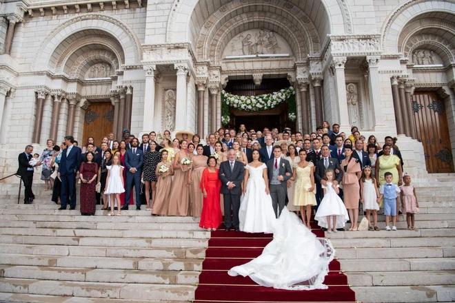 Chuyện tình 9 năm với Hoàng tử Monaco Monaco19