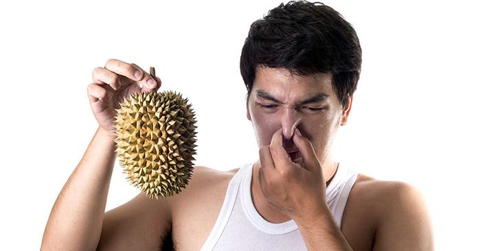 Đố bạn biết trái sầu riêng rụng vào lúc nào? Muisau11