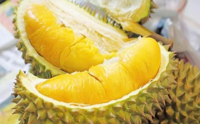 Đố bạn biết trái sầu riêng rụng vào lúc nào? Muisau13