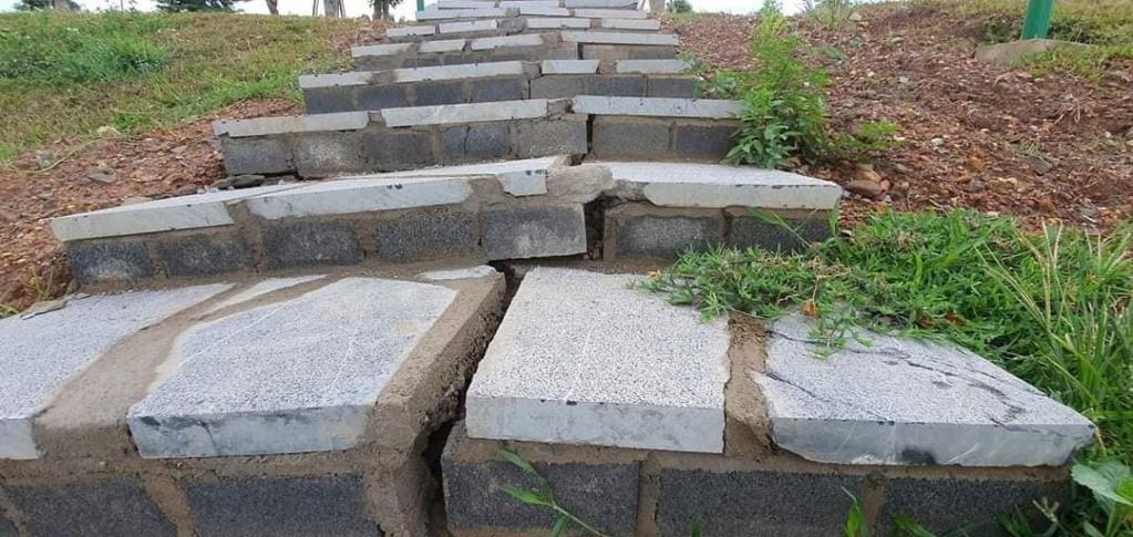 Quảng Bình: Tỉnh nghèo nhận gạo cứu đói khánh thành tượng đài gần 80 tỷ đồng Quang-14