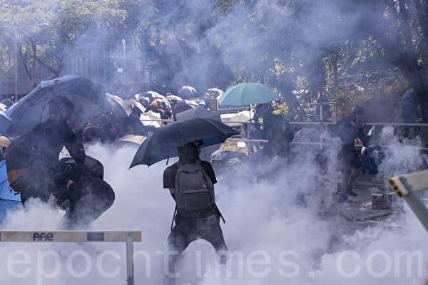 Biểu tình mới tại Hồng Kông - Page 4 Sinh-v10