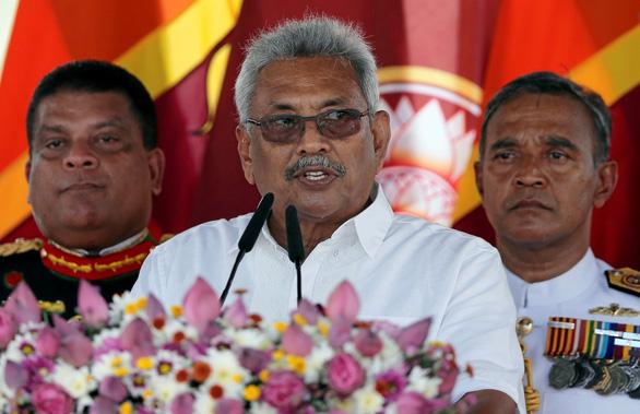 'Thế hệ sau sẽ nguyền rủa chúng ta vì cho Trung Quốc những thứ quý giá' Srilan15