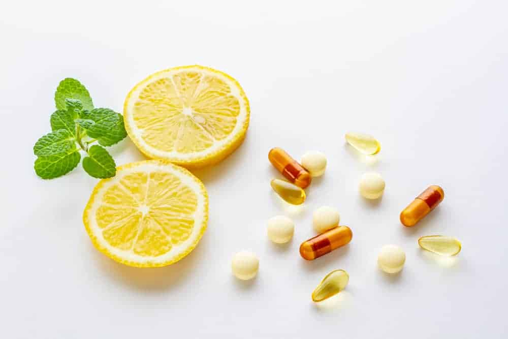 Uống vitamin C có tác dụng gì đối với sức khỏe? Uong-v10