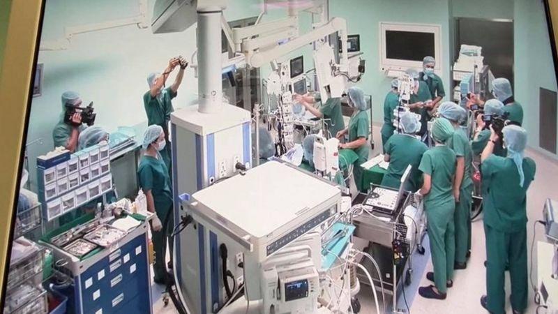 Phòng cấp cứu đang trở thành nơi trình diễn Vn0310