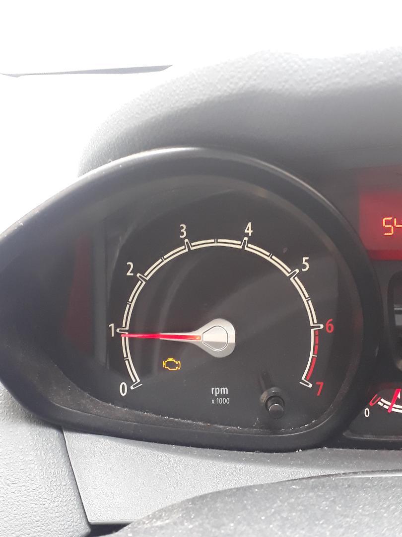 [ Ford Fiesta IV Trend 1,25 82ch an 2009 ] voyant défaut moteur Thumbn13