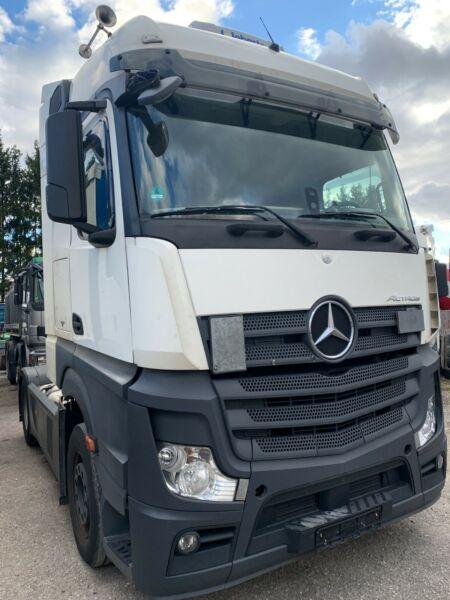 الشاحنات الالمانية استعمال نظيف للبيع بجدة Whats218
