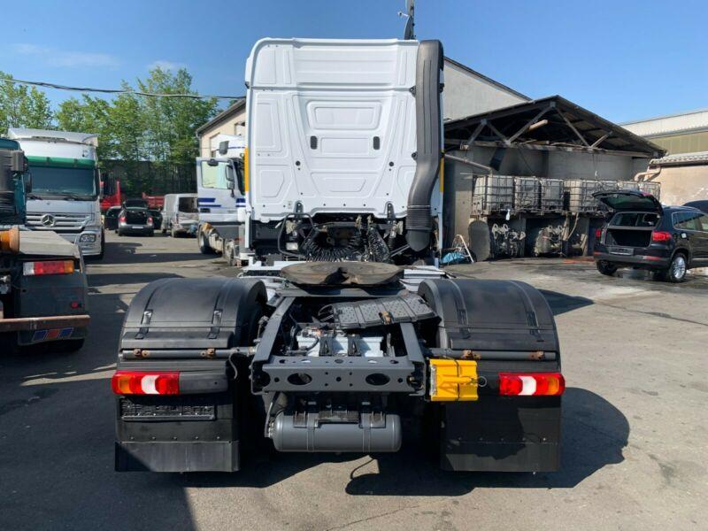 شاحنه مرسيدس اكتروس 1842 mp4 موديل : 2012 للبيع  Whats400