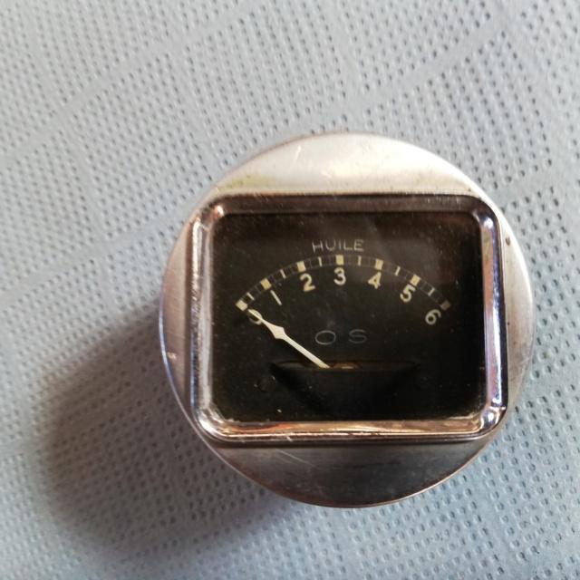 Indicateur de vitesse et jauge de pression d'huile Img_2050