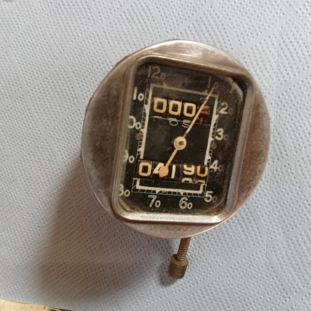Indicateur de vitesse et jauge de pression d'huile Img_2051