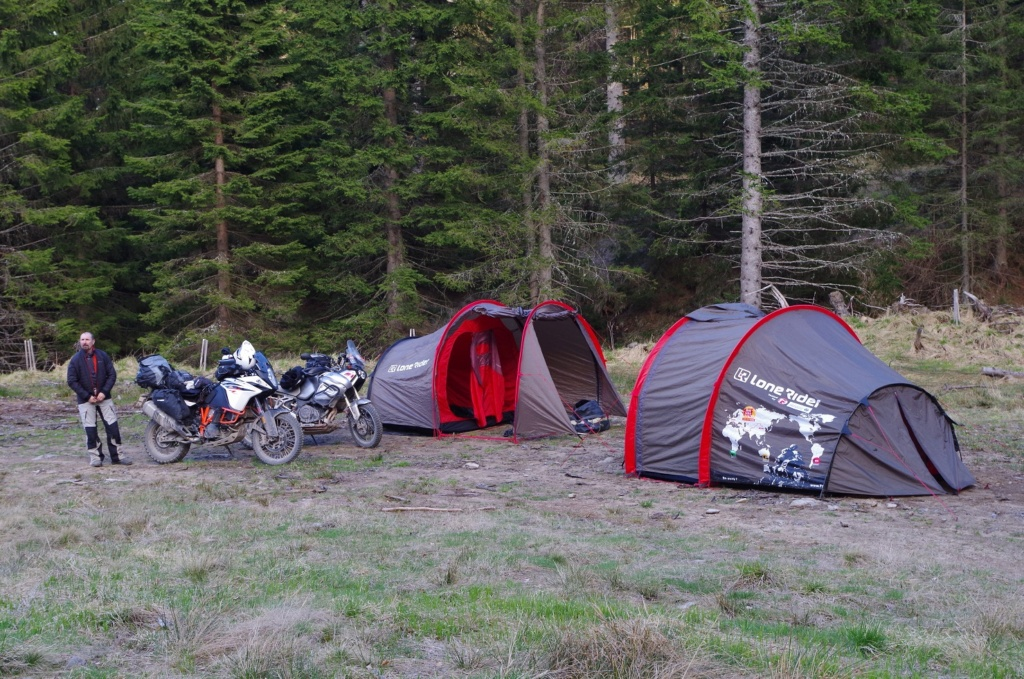 Mototent Lone Rider - Le test à l'épreuve des ours slovènes Imgp0911
