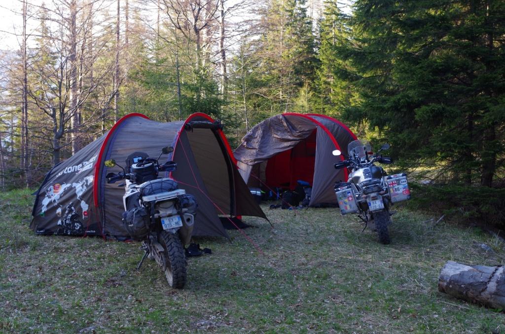 Mototent Lone Rider - Le test à l'épreuve des ours slovènes Imgp1010
