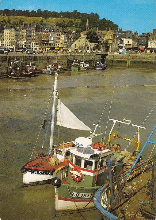 [VIE DES PORTS] Quelques bateaux de pêche (sur nos côtes Françaises) - Page 13 Honfle10