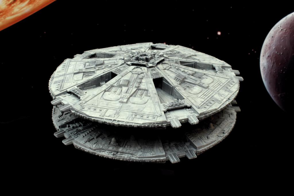 Battlestar Galactica - Cylon Basestar - Revell Cylon_16