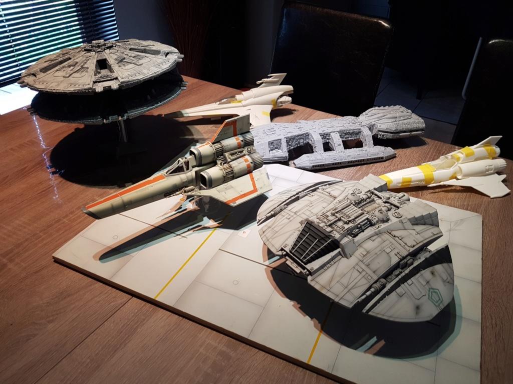 Battlestar Galactica - Cylon Raider - Revell Cylon_35