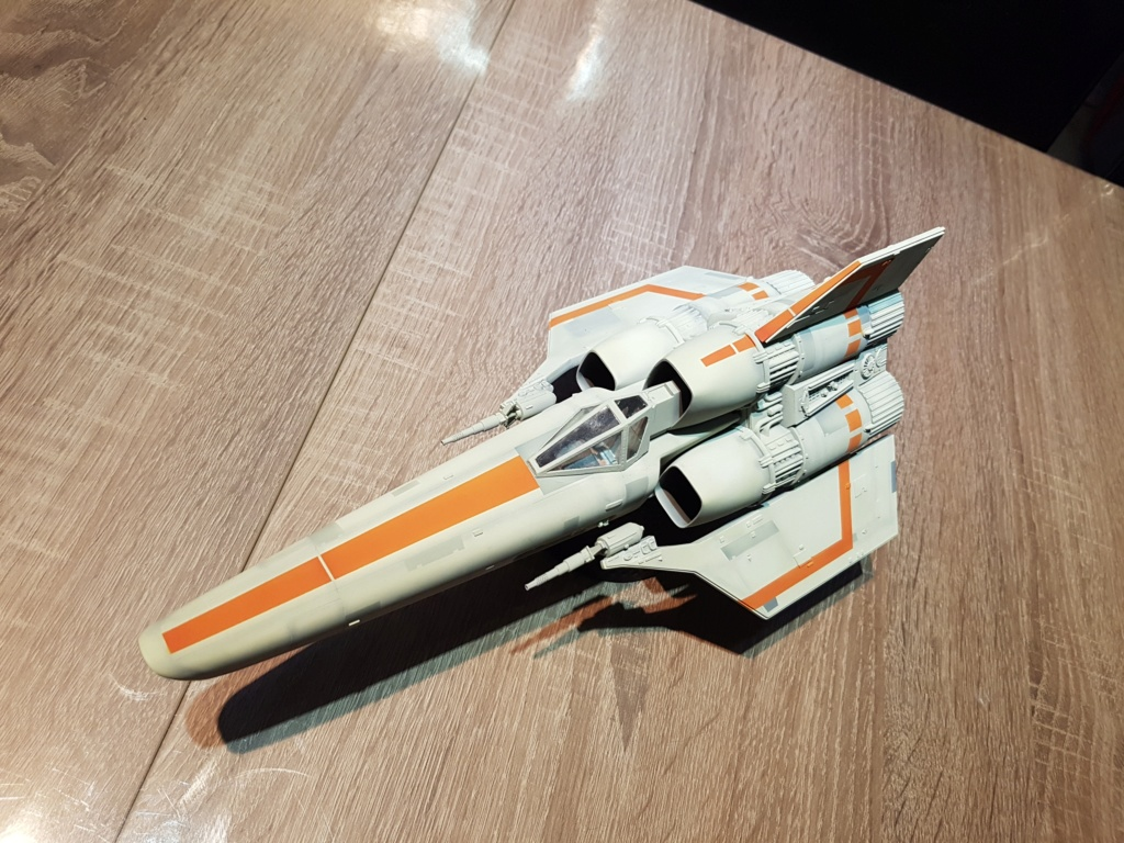 Colonial Viper - Battlestar Galactica - Monogram Galact32