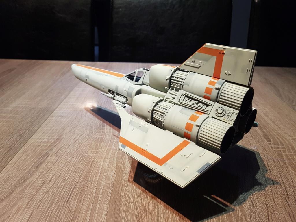 Colonial Viper - Battlestar Galactica - Monogram Galact35