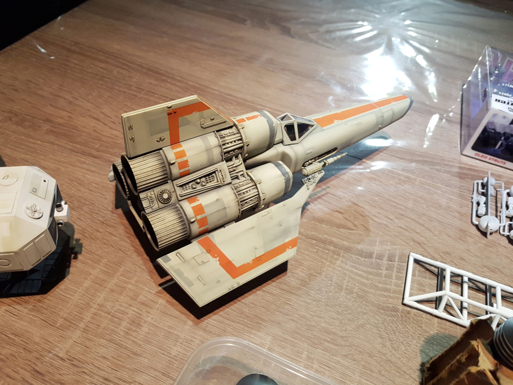 Colonial Viper - Battlestar Galactica - Monogram Galact40