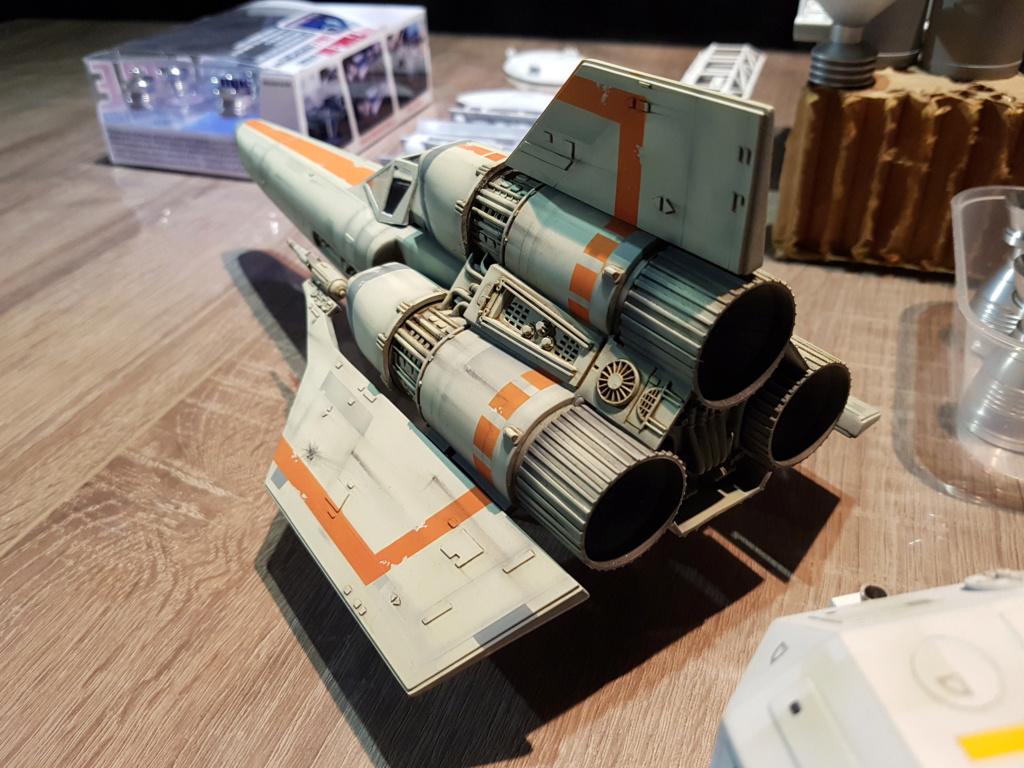 Colonial Viper - Battlestar Galactica - Monogram Galact41