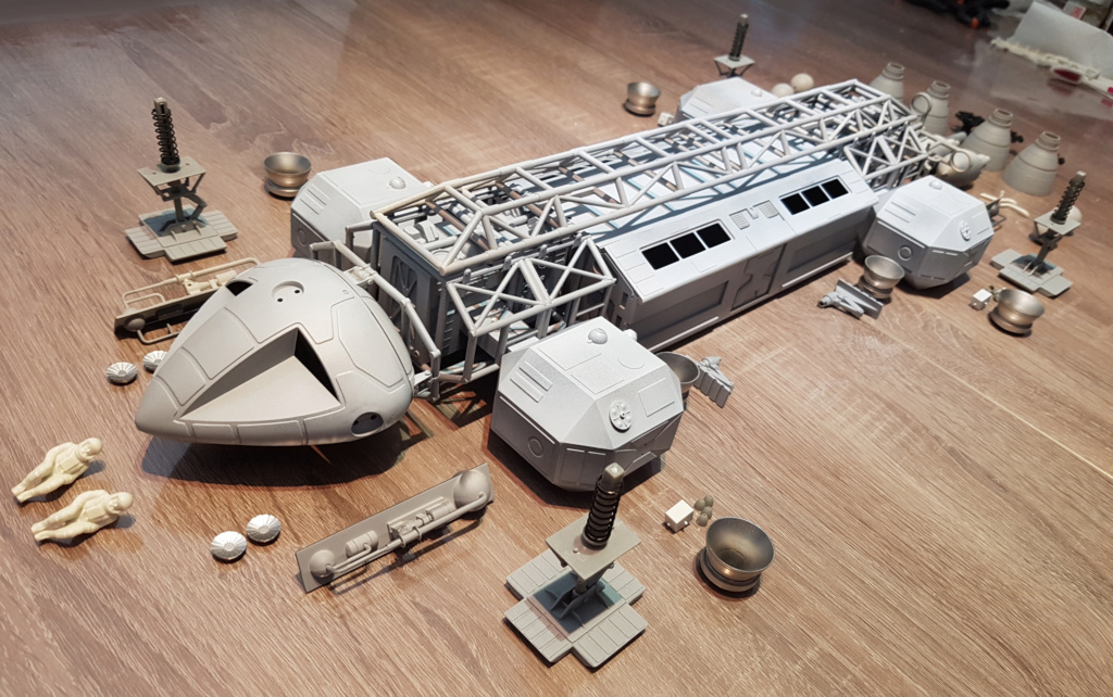 Space 1999 - Eagle transporter - MPC 1/48 Space_25