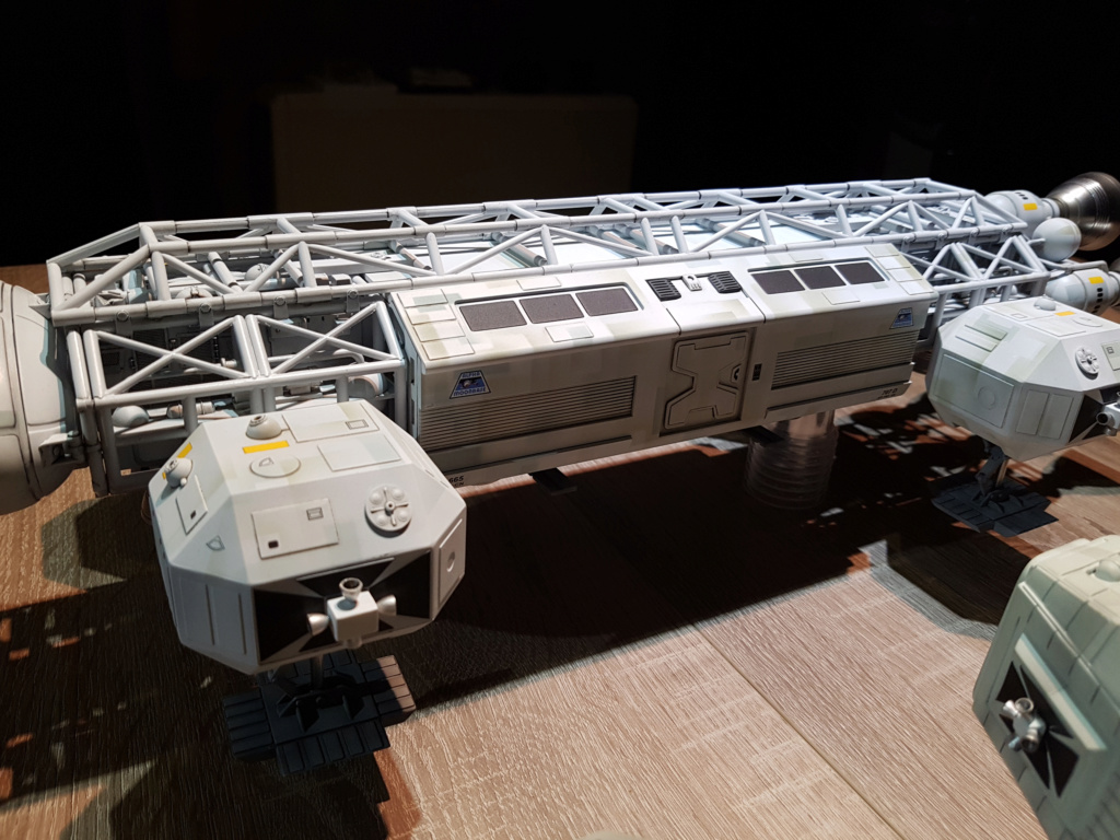 Space 1999 - Eagle transporter - MPC 1/48 Space_31