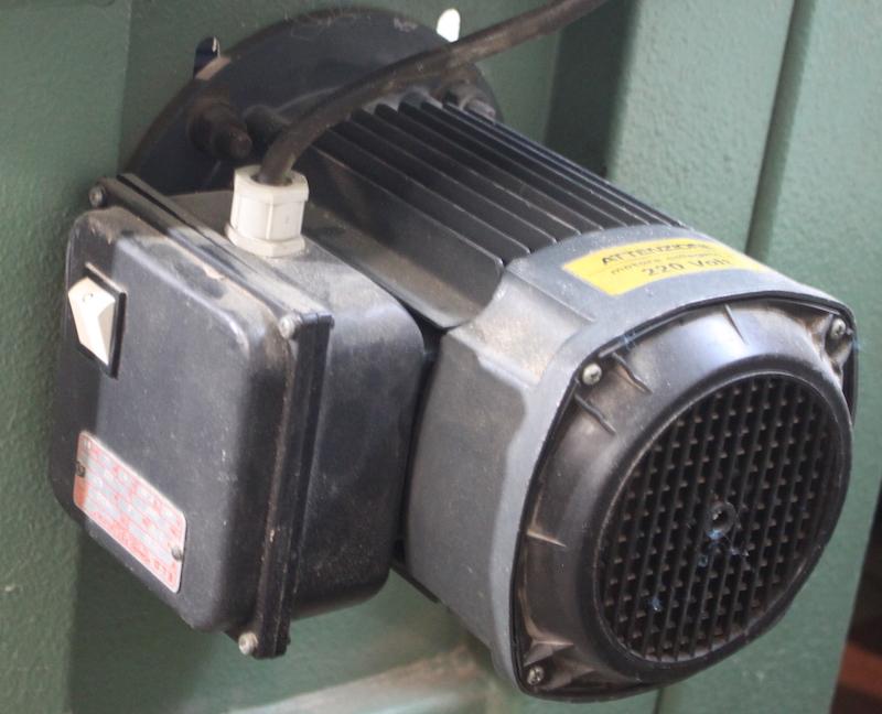 Remplacement du moteur d'une scie à ruban Img_2810