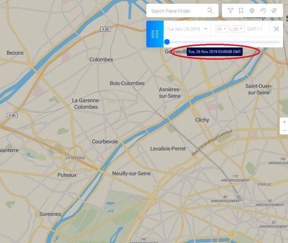 Le 26/11 à 03h00 - Engin triangulaire volant - Courbevoie - Hauts-de-Seine (Dép.92) Courb_10