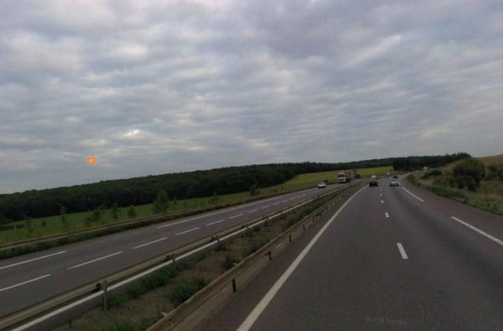 2012: Le 04/05 à 21h20 - Observation d'un phénomène lumineux - Charly-Oradour (57) - Page 2 Recons11