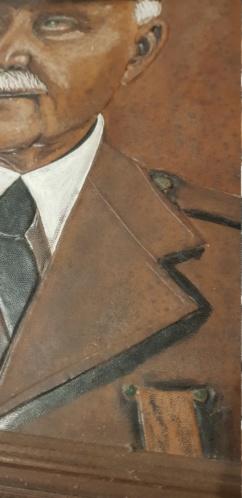 Cadre du maréchal pétain en toile cuir et reliefs 20200813