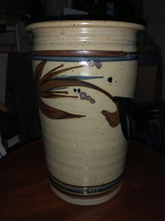 ID help needed on studio pottery vase, MV mark  A0cd5e10
