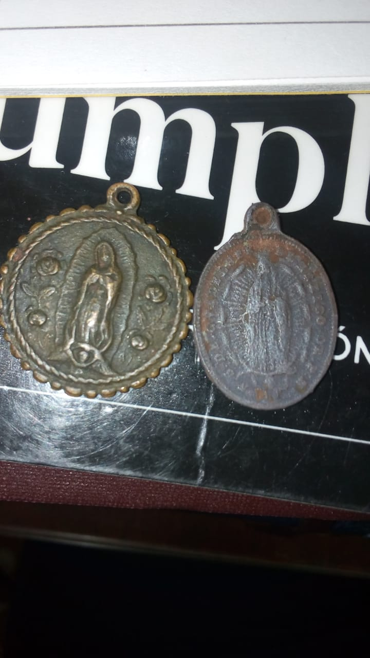 Busco Ayuda con estas Medallas de la Virgen Maria 110